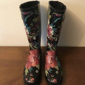 Shoes - Women's Rain boots size 7